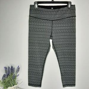 90 Degree by Reflex short leggings size L
